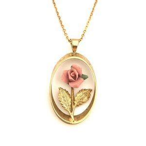 Jewelry - Vintage Pink Rose Pendant Necklace Gold Oval
